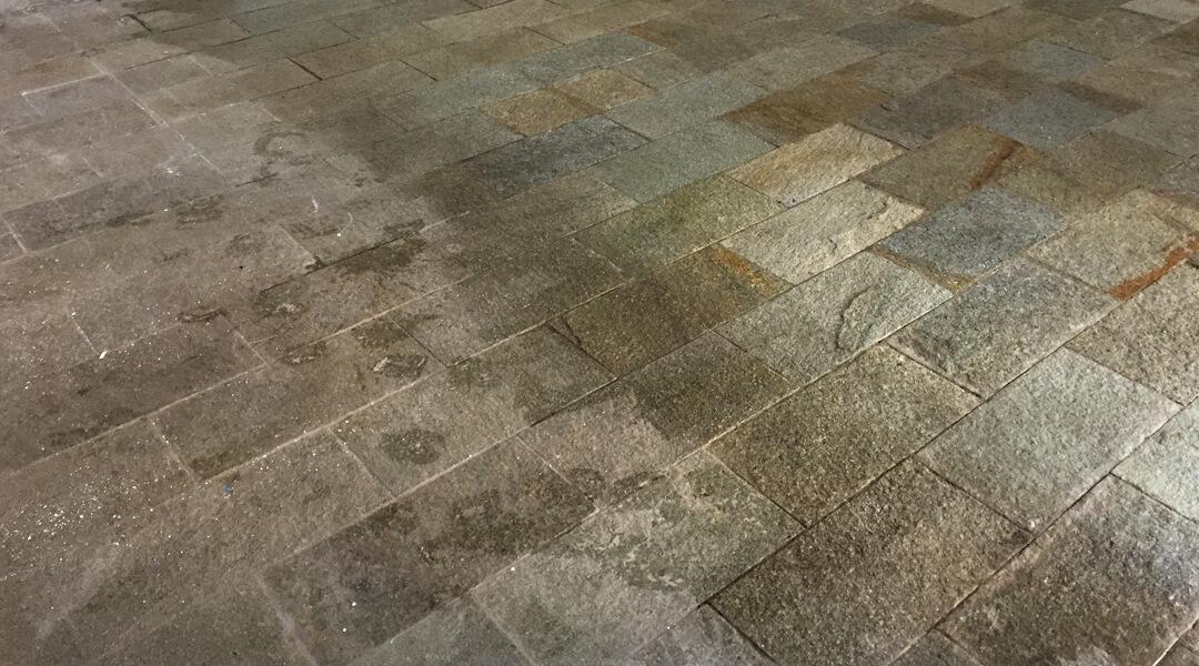 Pavimento In Pietra Di Luserna : Trattamento pietra di luserna fiammata fratelli bergantin